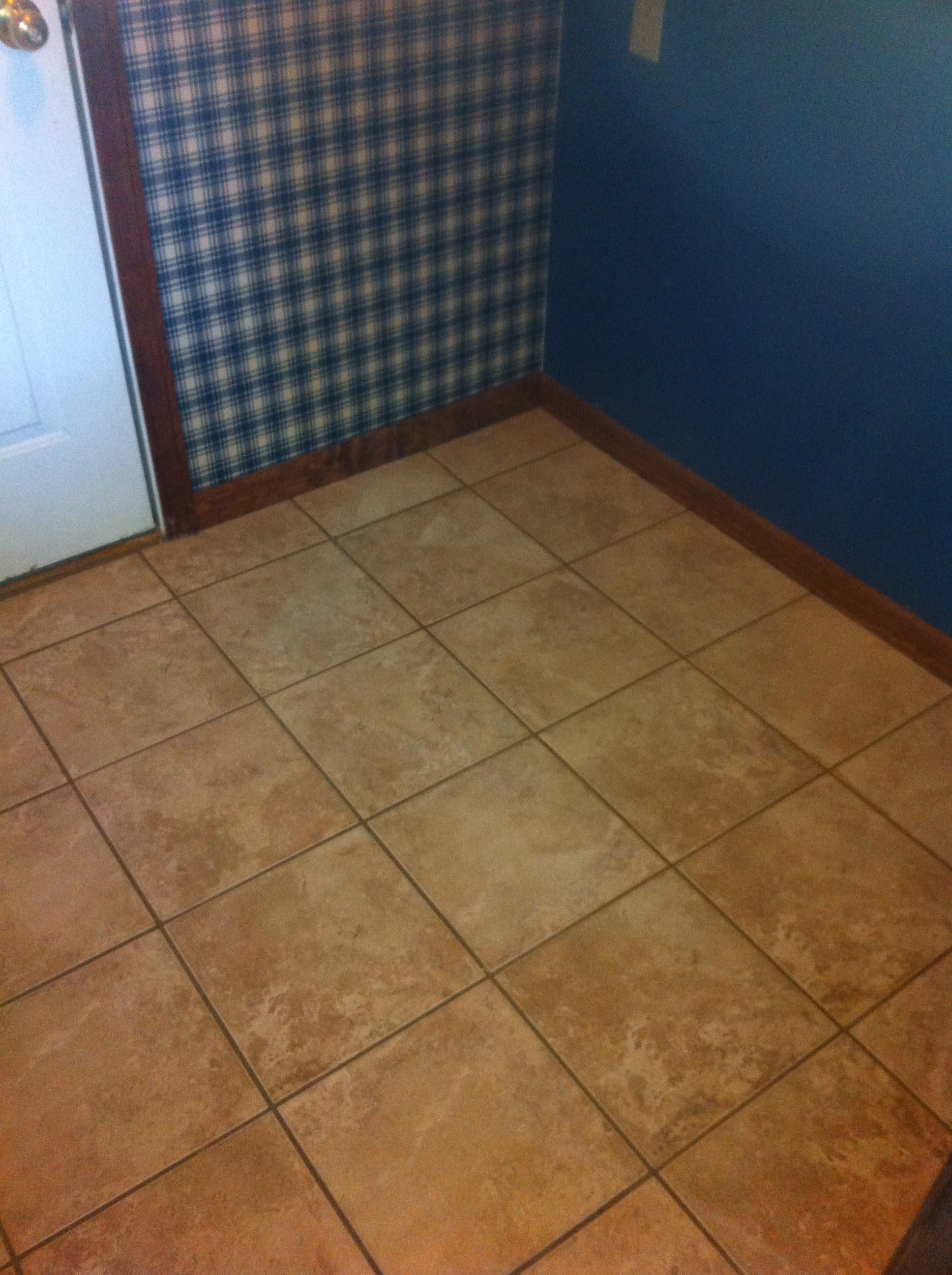Laundry room floor tile attractive personalised home design for Columbia flooring installation instructions